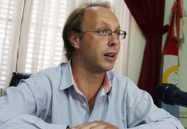 MInistro Gonzalo Saglione