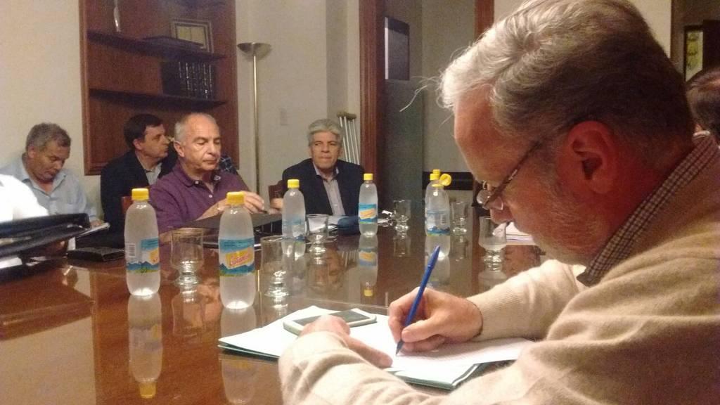 Efran Silvestri en la camara de Senadores