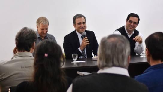 Martinez junto a los intendentes de Reconquista y Avellaneda