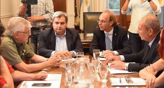 El gobierno se reune con UPCN y ATE