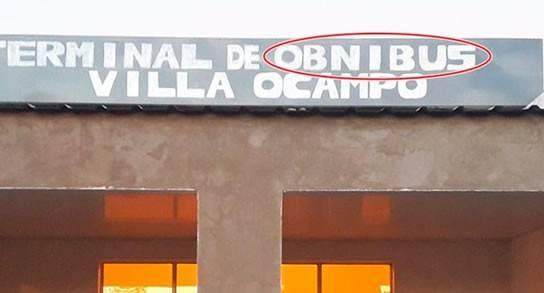 Cartel en la terminal de Villa Ocampo
